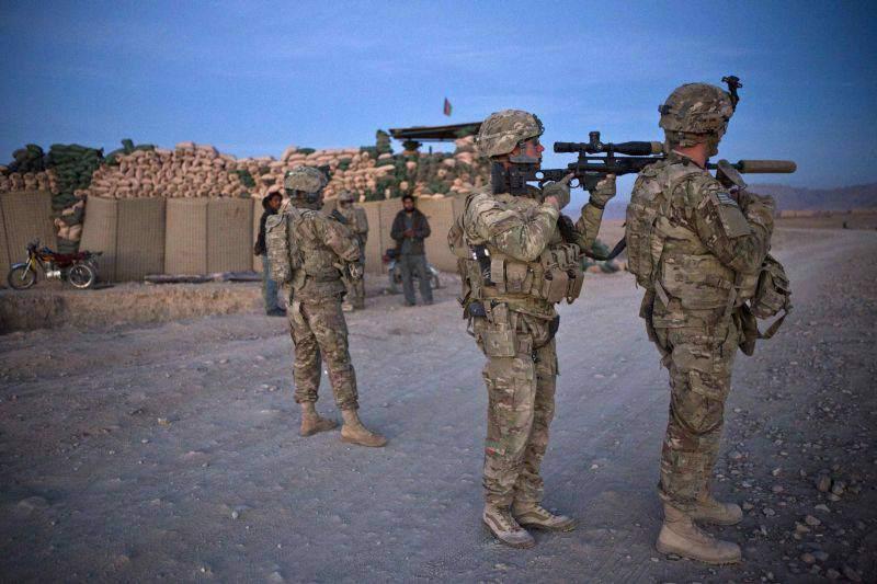 Atentat sinucigaș la Kabul asupra unui convoi turc al NATO soldat cu doi morți