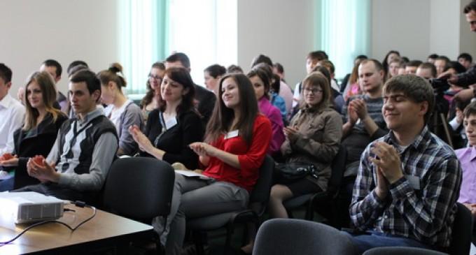 premiu pentru bursierii moldoveni