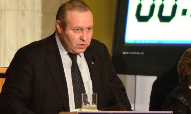 Deputatul Daniel Fenechiu a anunțat demararea procedurii pentru înființarea Partidului Național Democrat