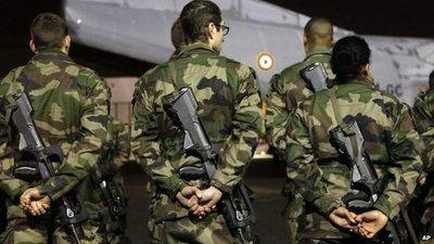 soldati-franta-paris